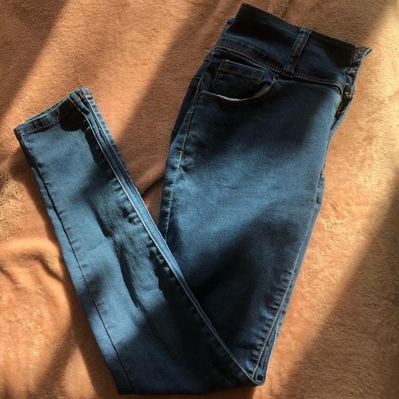 Mint condition fashion nova blue jeans